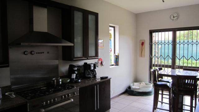 Property For Sale in Greenside, Johannesburg 12