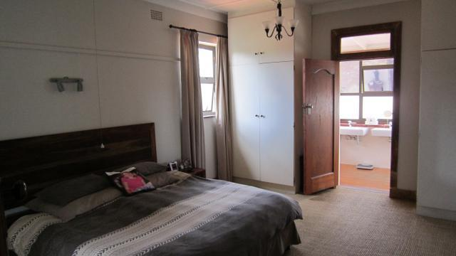 Property For Sale in Greenside, Johannesburg 16