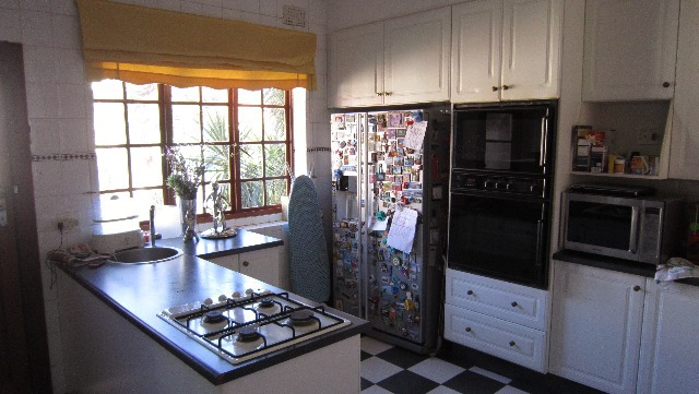 Property For Sale in Greenside, Johannesburg 9
