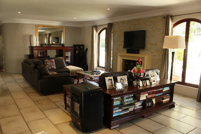 Property For Sale in Craighall, Johannesburg 18