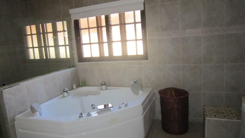 Property For Sale in Greenside, Johannesburg 8