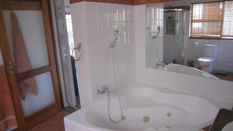Property For Sale in Emmarentia, Johannesburg 9