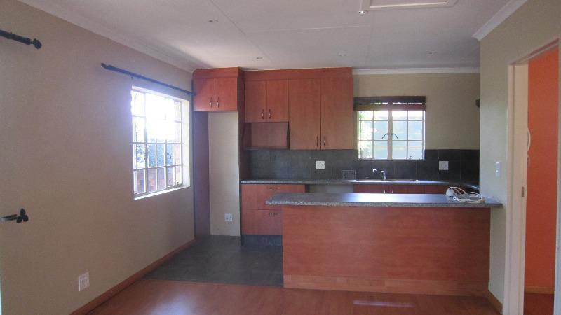 Property For Sale in Emmarentia, Johannesburg 10
