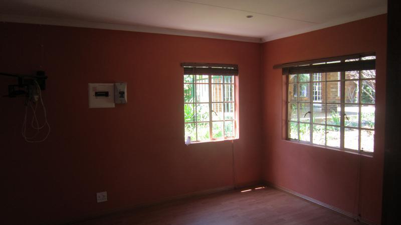 Property For Sale in Emmarentia, Johannesburg 11