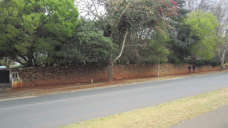 Property For Sale in Elton Hill, Johannesburg 11