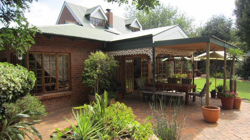 Property For Sale in Linden, Johannesburg 13
