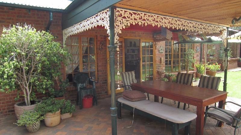 Property For Sale in Linden, Johannesburg 14