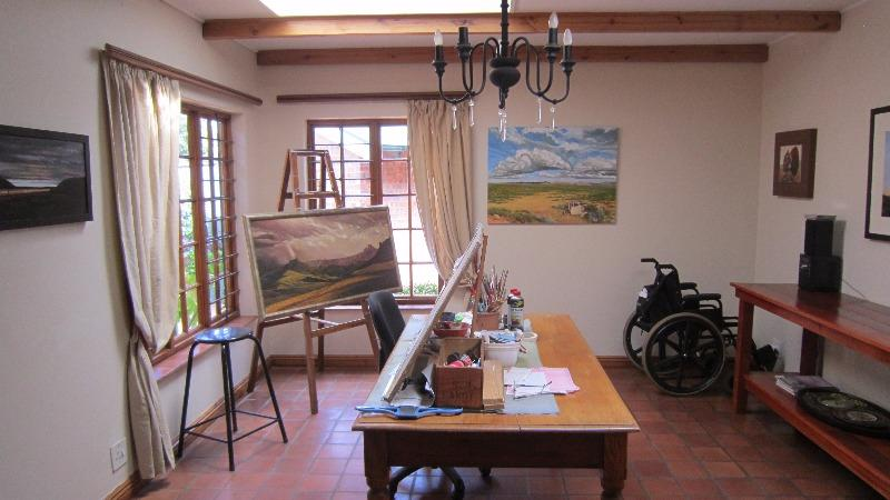 Property For Sale in Linden, Johannesburg 17