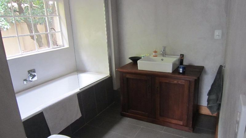 Property For Rent in Parkview, Johannesburg 10
