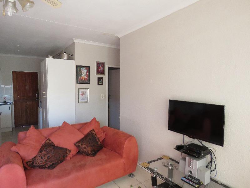 Property For Sale in Sophiatown, Johannesburg 2