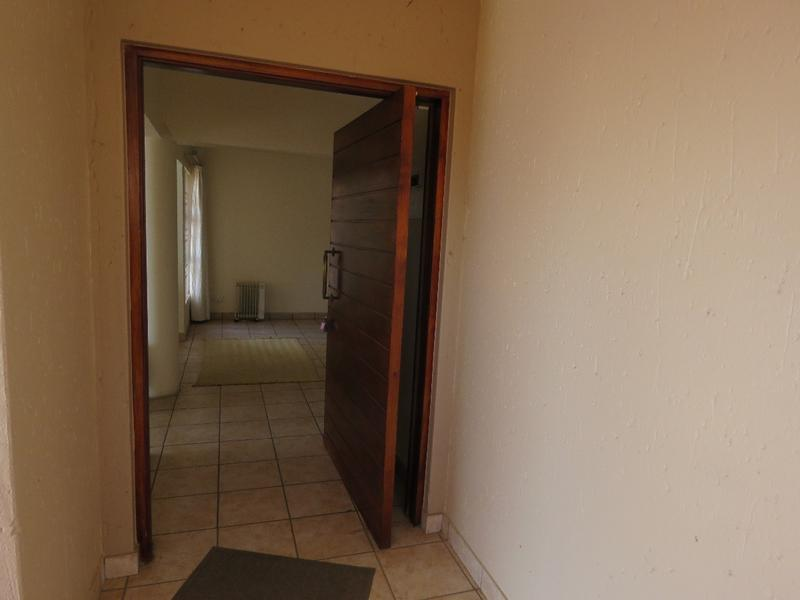 Property For Sale in Northcliff, Johannesburg 14
