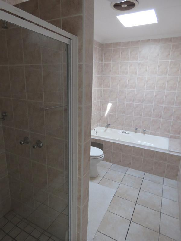 Property For Sale in Northcliff, Johannesburg 15
