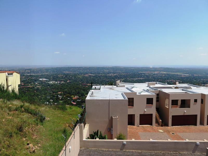 Property For Sale in Northcliff, Johannesburg 20