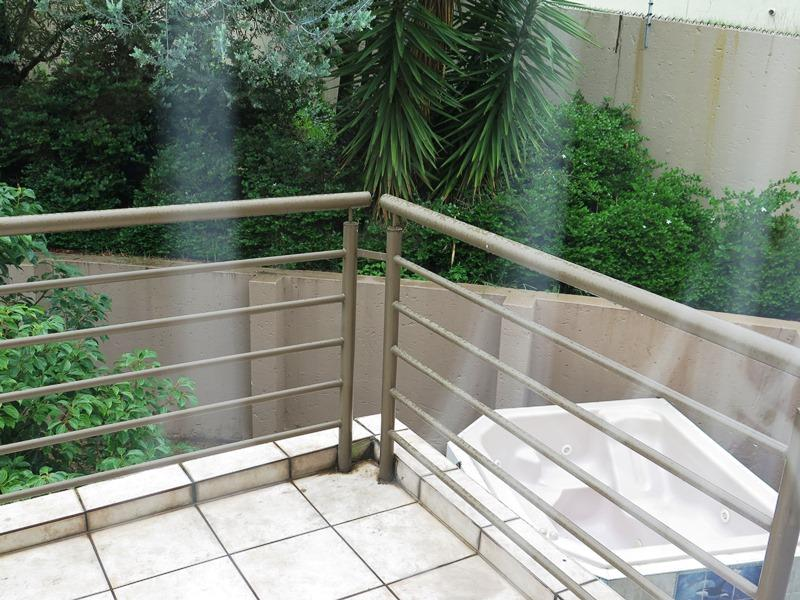 Property For Sale in Northcliff, Johannesburg 21