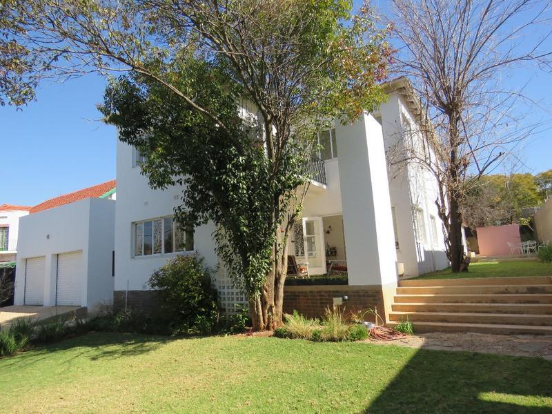 Property For Sale in Greenside, Johannesburg 15