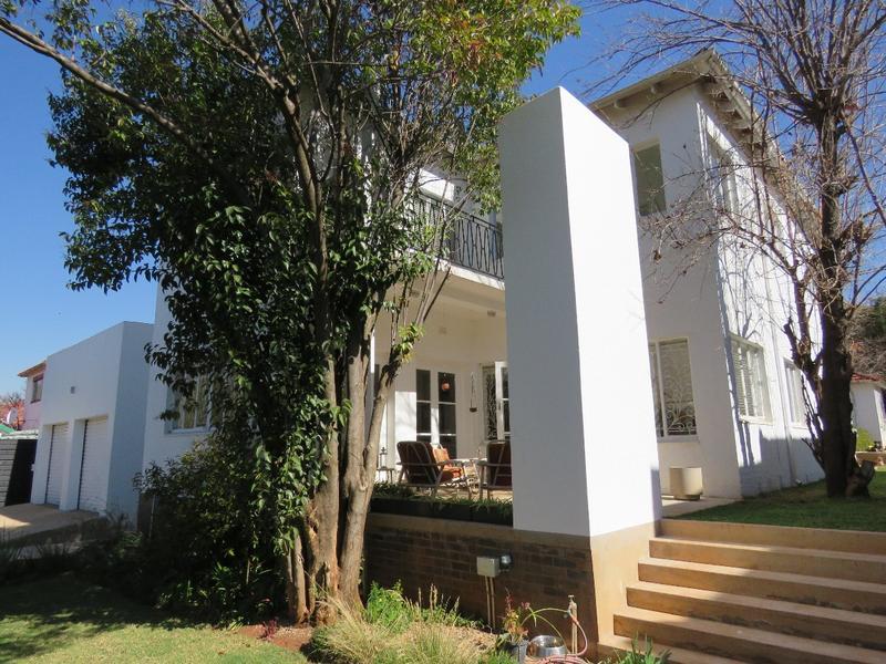 Property For Sale in Greenside, Johannesburg 2