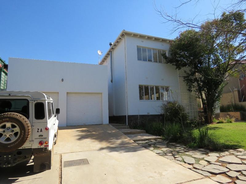 Property For Sale in Greenside, Johannesburg 17