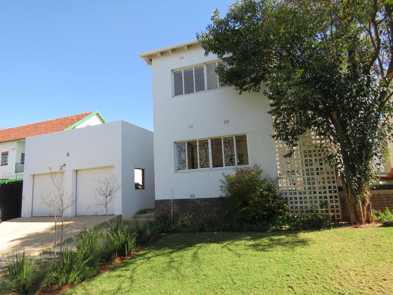 Property For Sale in Greenside, Johannesburg 18