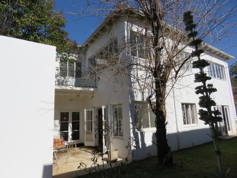 Property For Sale in Greenside, Johannesburg 21