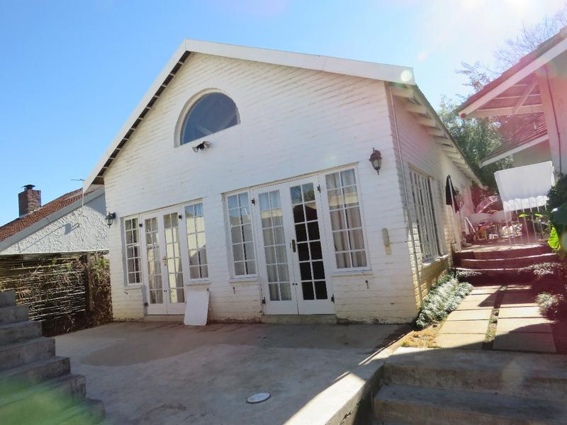 Property For Rent in Linden, Johannesburg 6