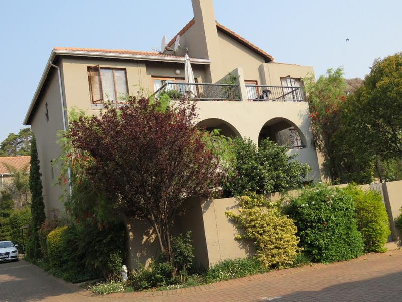 Property For Rent in Craighall Park, Johannesburg 1