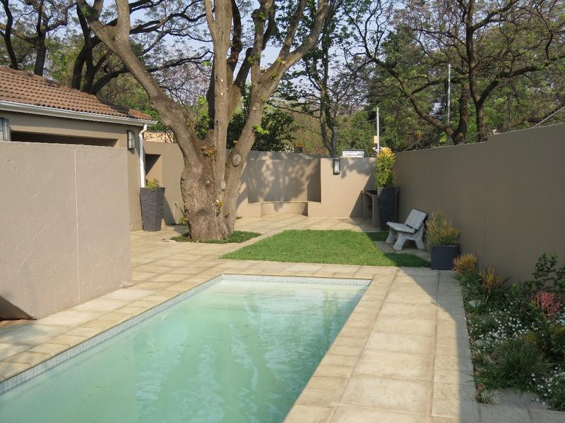 Property For Rent in Craighall Park, Johannesburg 6