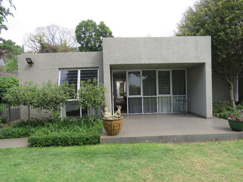 Property For Rent in Westcliff, Johannesburg 1
