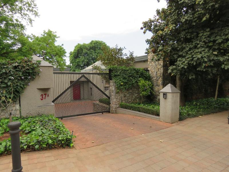 Property For Rent in Westcliff, Johannesburg 2