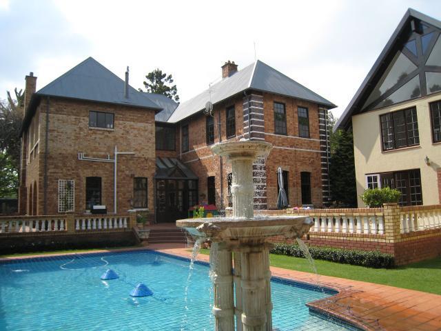 Property For Sale in Houghton Estate, Johannesburg 3