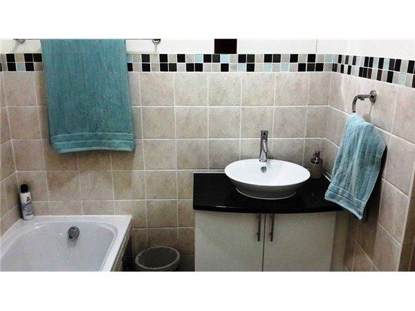 Property For Rent in Parkwood, Johannesburg 7