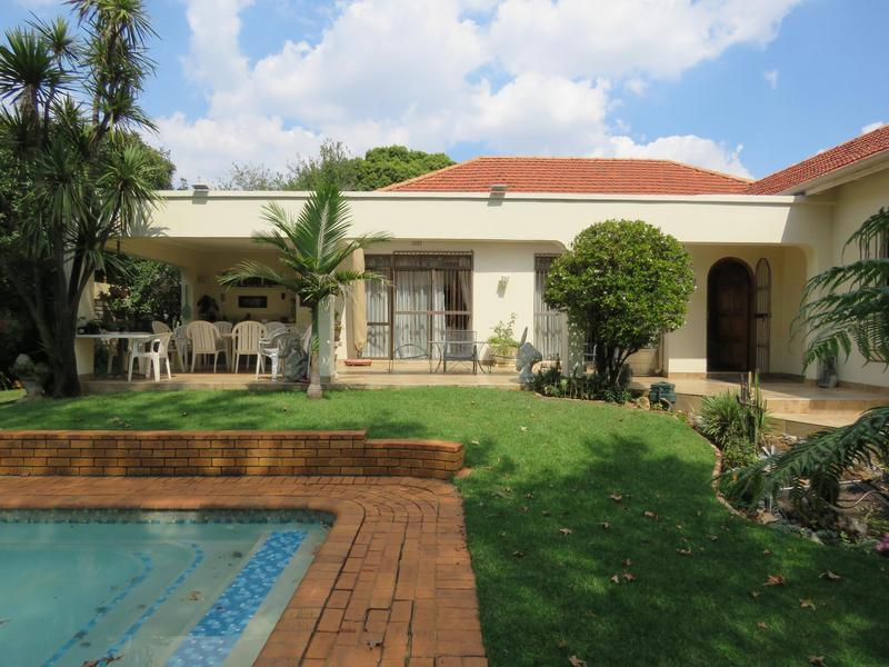 Property For Sale in Greenside, Johannesburg 2