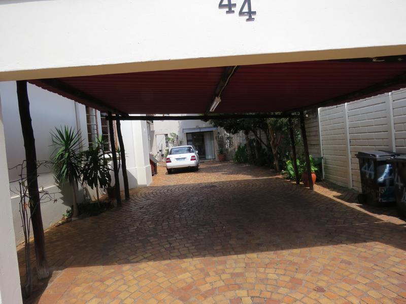 Property For Sale in Greenside, Johannesburg 4