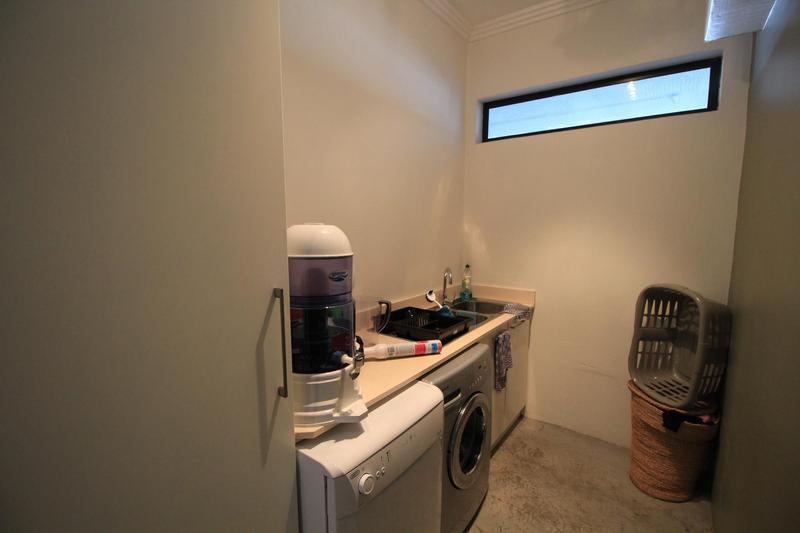 Property For Rent in Braamfontein, Johannesburg 8