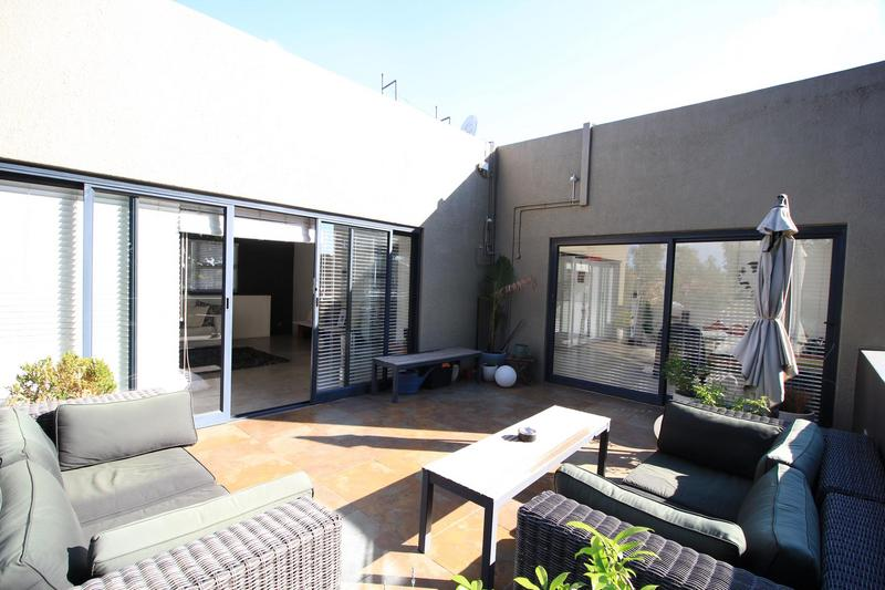 Property For Rent in Braamfontein, Johannesburg 22