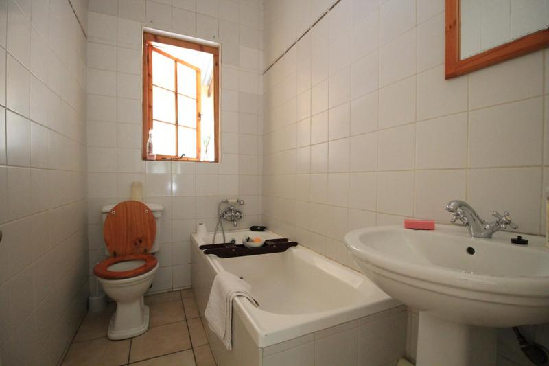 Property For Rent in Melville, Johannesburg 11