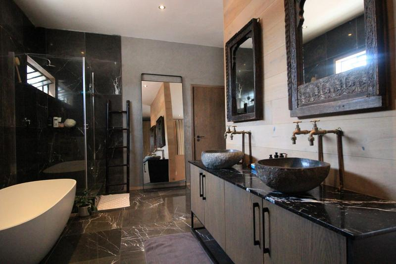 Property For Sale in Milpark, Johannesburg 22