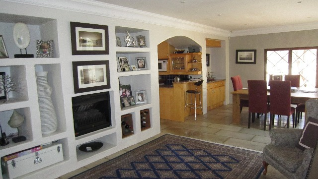 House For Sale in Craighall, Johannesburg