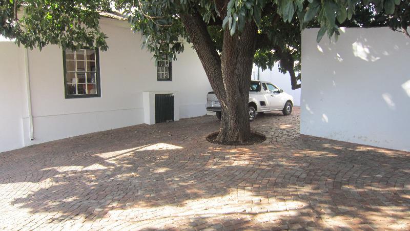 Retail Space For Rent in Parkhurst, Johannesburg