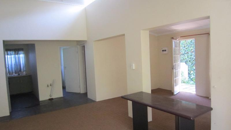 Cottage For Rent in Auckland Park, Johannesburg