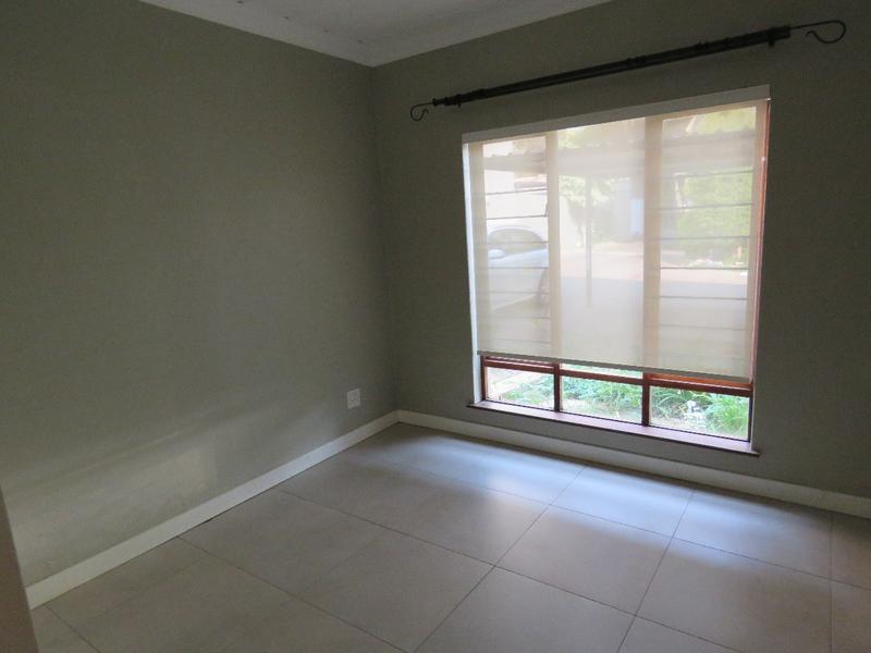 Complex For Rent in Craighall Park, Johannesburg