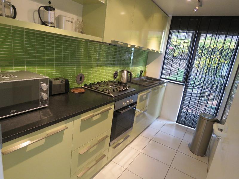 Cottage For Rent in Westcliff, Johannesburg