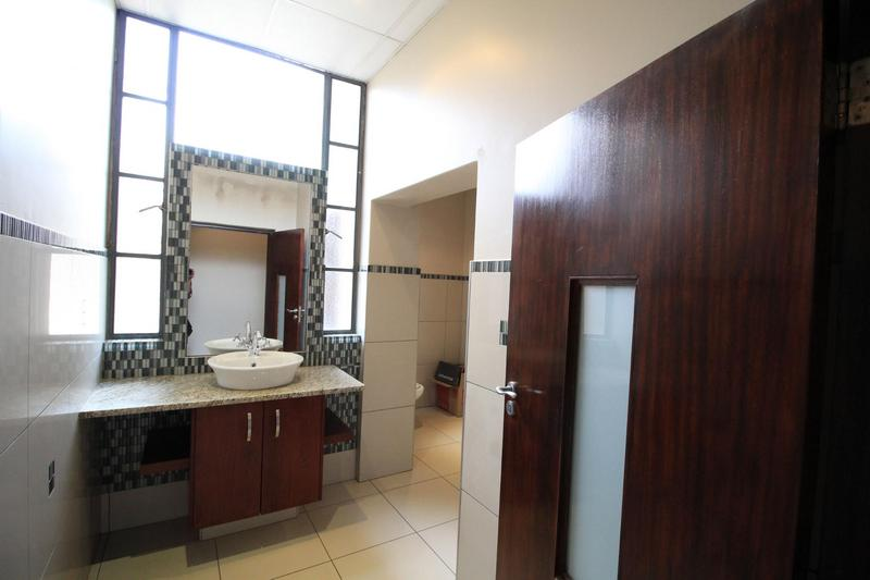 Apartment / Flat For Sale in Milpark, Johannesburg